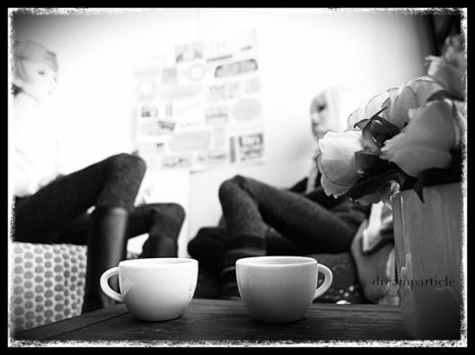 mikado [soseo] and tetsu [ryun] chatting over coffee